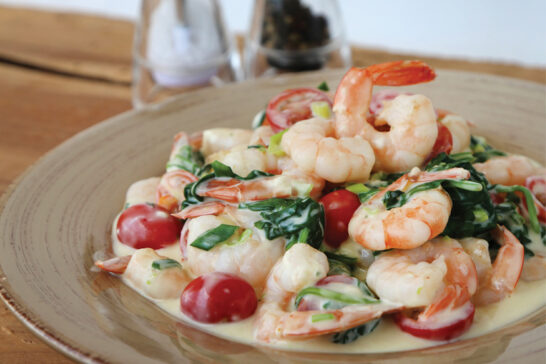 garlic prawns with spinach and tomato recipe