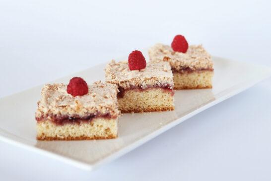healthy low fat raspberry coconut slice